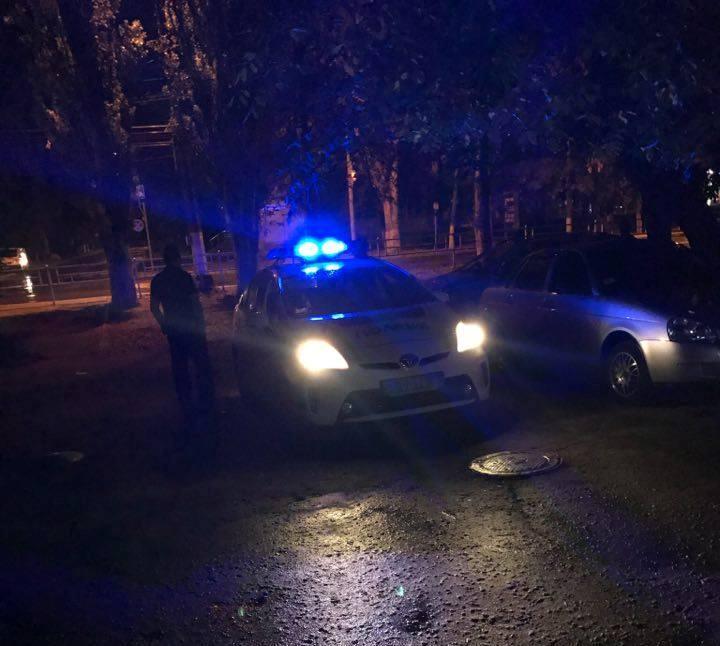 Херсонские правоохранители едва совладали с устроившим ночной погром «офицером»
