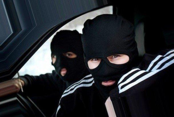 Працівниками ЖЕКу назвалися грабіжники у Херсоні