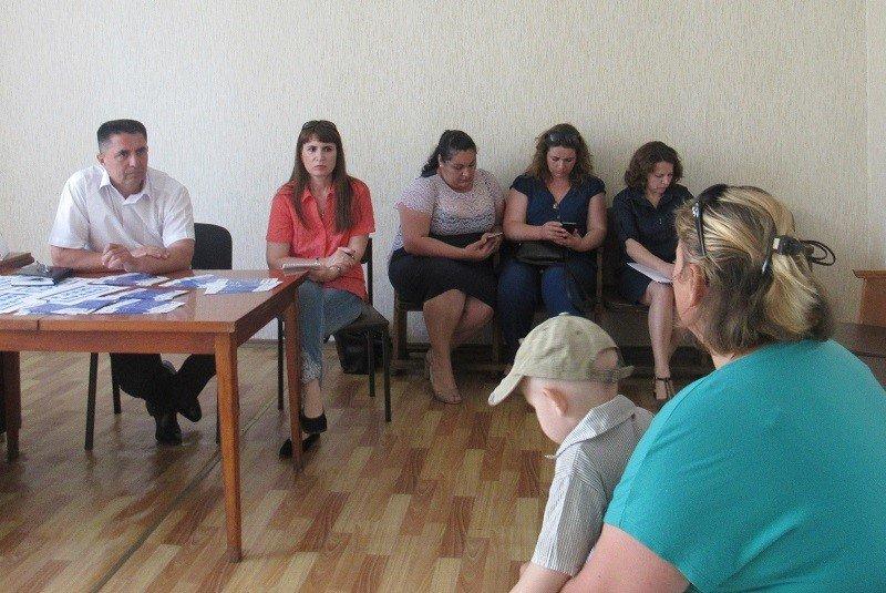 Співробітники Херсонської обласної юстиції проконсультували мешканців Голопристанського району