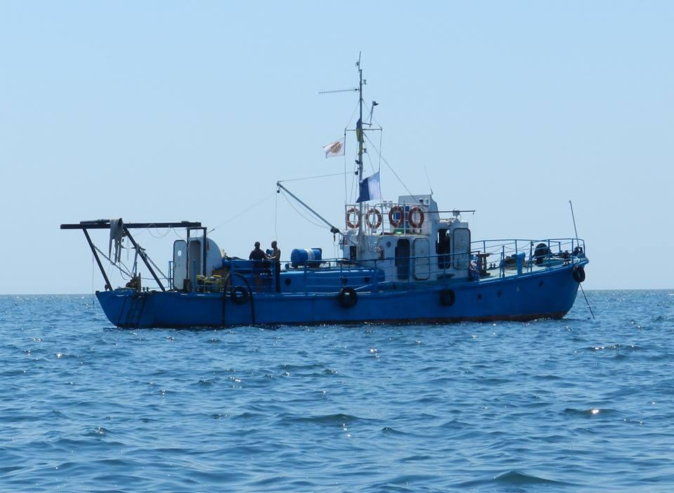 У Голопристанському районі продовжується розмінування судна зі смертоносним грузом
