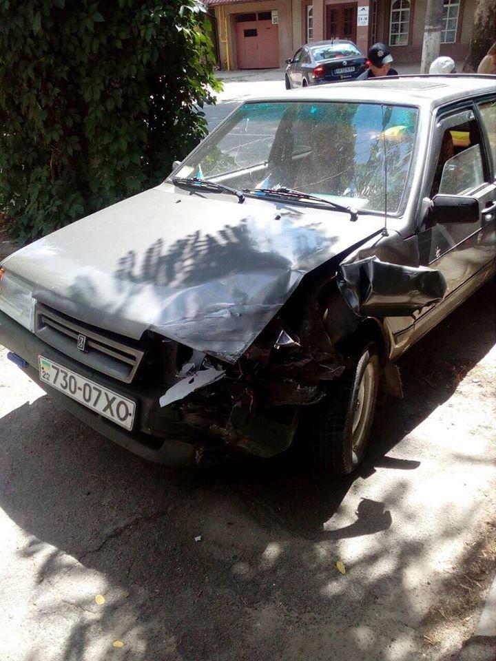 В ДТП на Перекопской водитель чудом остался жив (фото)