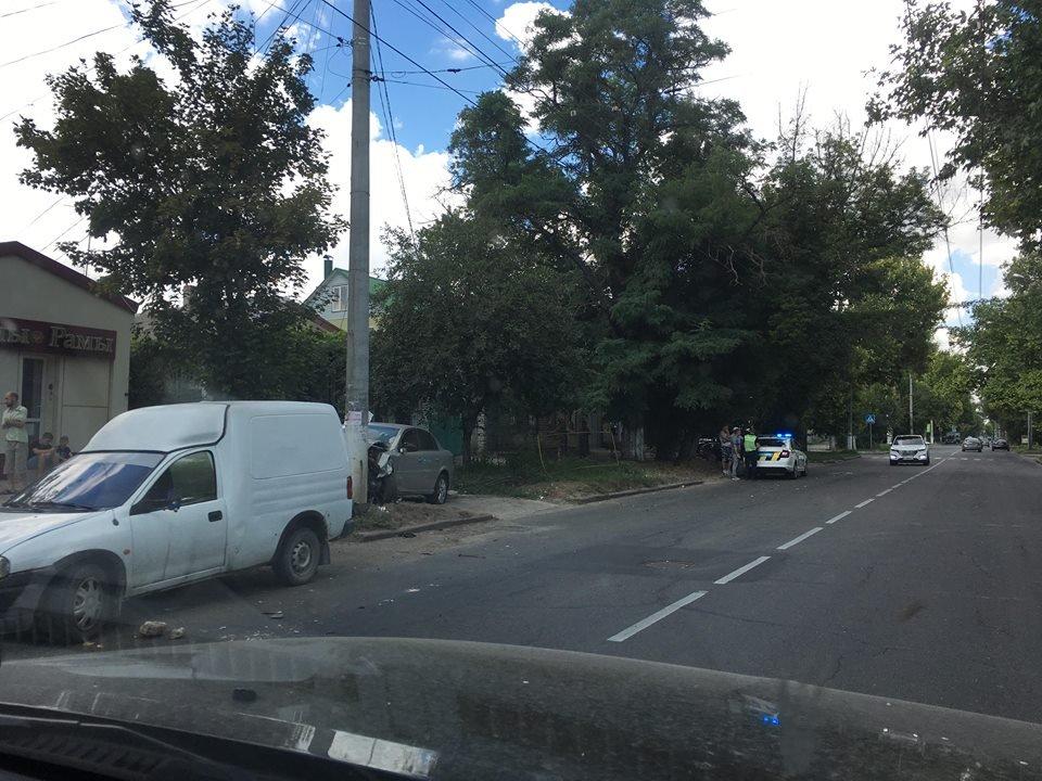 Улица Перекопская сегодня «богата» на аварии (фото)