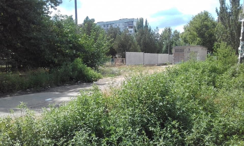 На Шуменском установили забор –