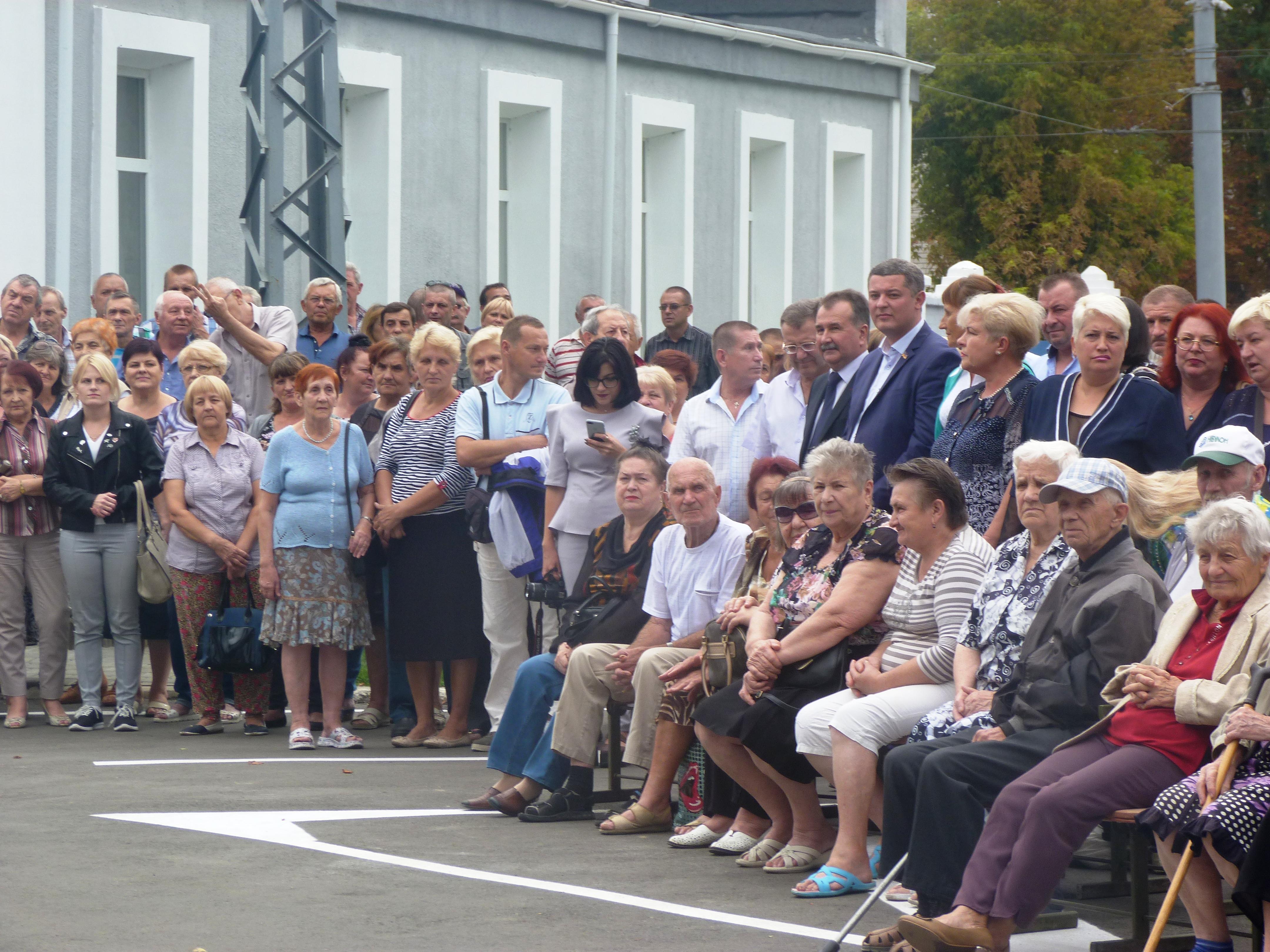 В Херсоне открыли памятник троллейбусу