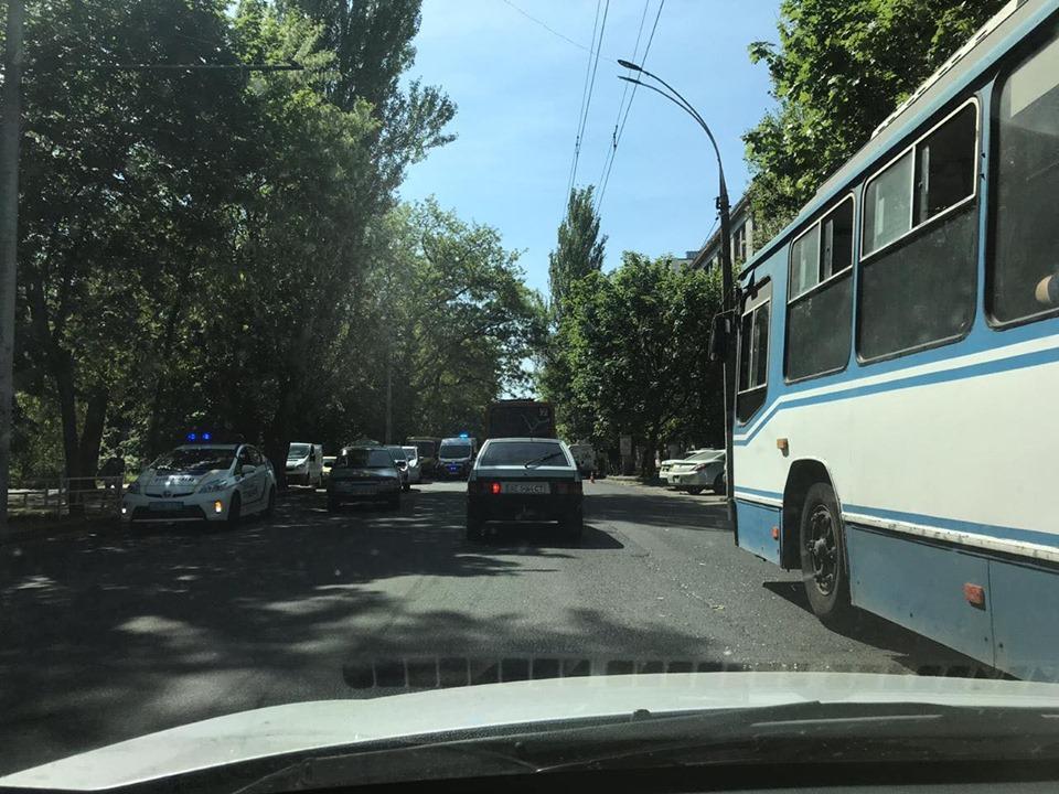 Подробности аварии в Херсоне: мотоциклисты врезались в автобус один за другим
