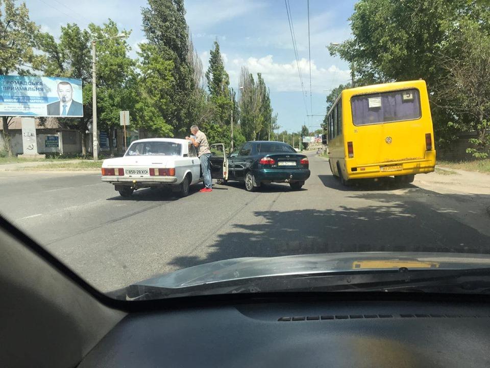 Херсонским водителям надо быть терпеливее - на Киндийском шоссе ДТП (ФОТО)