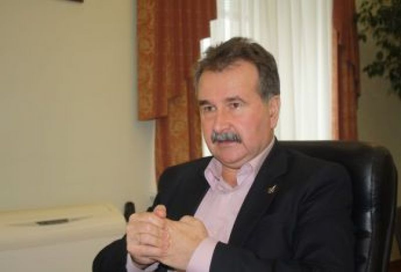 Мэр Херсон Владимир Миколаенко посоветовал активистам «вести себя тихонечко»