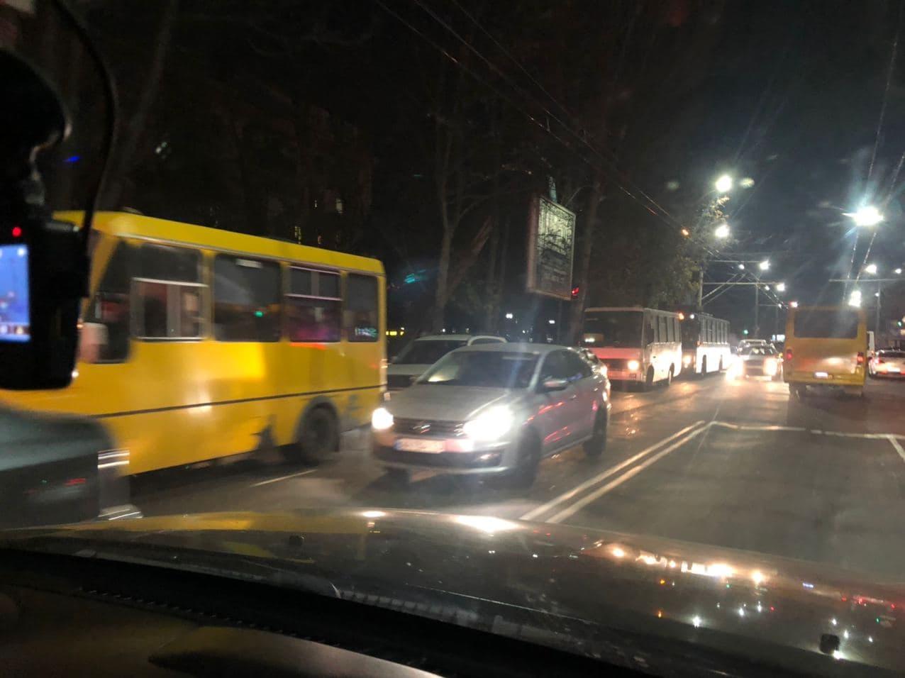 «Черная пятница» парализовала улицы Херсона, - ФОТОФАКТ