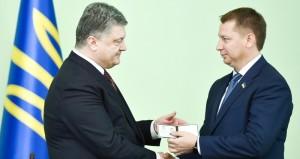 poroshenko_gordeev_kherson_kviten
